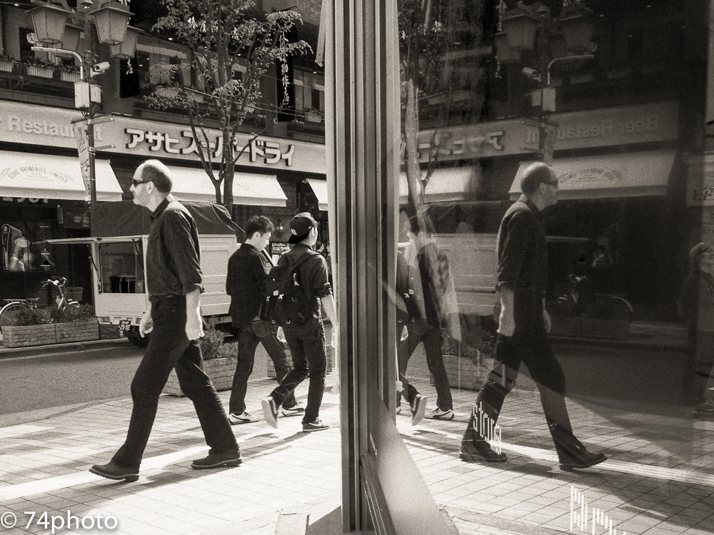 PEN-Fで新宿を撮る