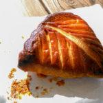 スリッパの形をしたリンゴのパイ