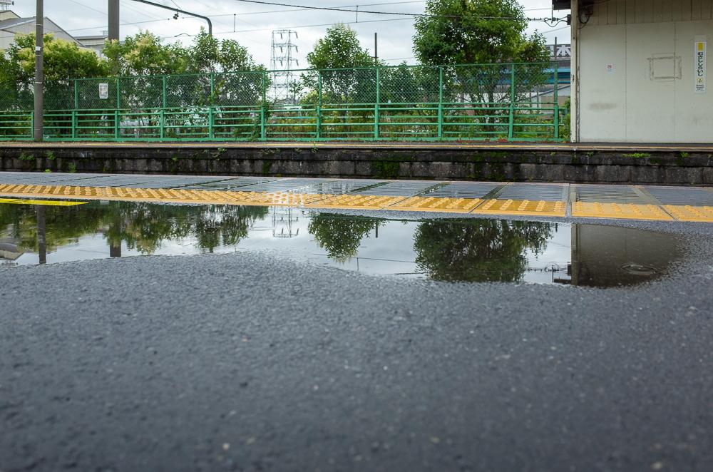 雨の鶴見線