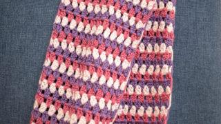 手編みのマフラーで首元ぽかぽか