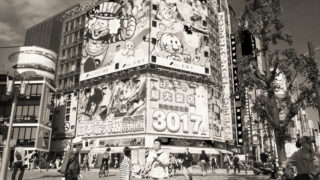 PEN-Fでオシャレに新宿を撮る モノクロ編