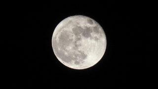 OLYMPUS PEN-Fでは月が撮れない?